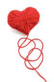 Filato di lana nel simbolo di forma cuore — Foto Stock