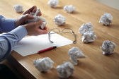 欲求不満のストレスと作家のブロック — ストック写真