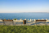 Benches on the lakeshore — Stock Photo