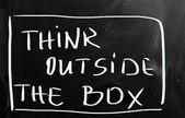 Denk buiten de doos — Stockfoto