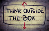 Думать за пределами коробки концепции — Стоковое фото