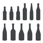 Alcohol bottles silhouette set — Stock Vector