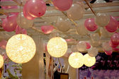 Chongqing Wedding Expo balloon with a chandelier on the ceiling — ストック写真
