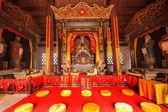 Leshan City, Sichuan Qianwei qianwei colored statue of Confucius Temple Dacheng Hall — Foto de Stock