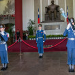 "Taipei, Taiwan, ""Sun Yat-sen Memorial Hall"" changing of the guard ceremony ceremonial soldiers punctual time — Stock Photo #40336501"