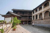 "Bo Yang, a large dam in Hubei Enshilichuan City wells ancient buildings ""Lee Manor"" — Stockfoto"