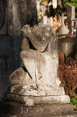 Stone angel without head — Stock Photo