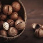 Macadamia nuts — Stock Photo #25324303