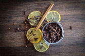 Lemon & Cloves — Stock Photo