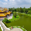 "Phra Thinang Wehart Chamrun (Royal Residence ""Heavenly Light"") — Stock Photo"