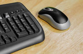 Black mouse and keyboard — Foto de Stock