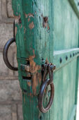 Old buddhist temple door handle in South Korea — Stock Photo