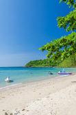 Nual strand und meer mit blauer himmel — Stockfoto