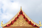 Tympanum of thai roof temple — Stock Photo