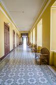 Empty long hallway — Stock fotografie