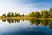 Serene autumn waterscape beautiful colors — Stock Photo