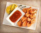 Fried shrimp with garlic and soy sauce — Stock Photo