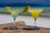 Classic and pineapple margarita cocktails at Philippines beach — Stock Photo