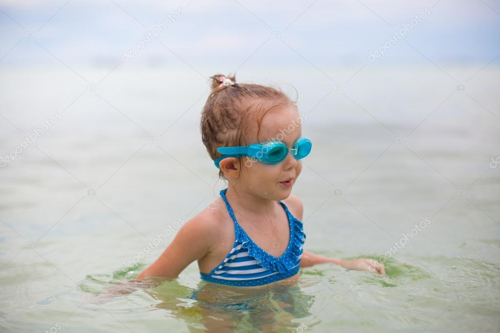 glasses for swimming  with glasses