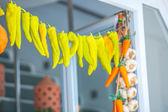 Vários alimentos coloridos nas ruas de santorini — Fotografia Stock