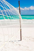 Closeup basketball net at the empty tropical exotic beach — Stock Photo