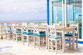 Outdoor cafe on the beach in Atlantic coast — Stock Photo