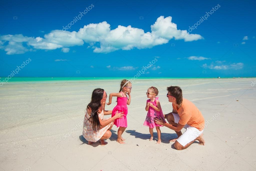 Сдвумя на пляже фото 258-729
