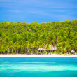 Landscape of tropical island beach with perfect blue sky — Stock Photo