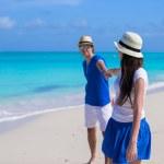 Happy family have fun on Caribbean beach vacation — Stock Photo
