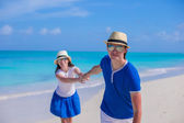 Young happy couple have fun on Caribbean vacation — Stock Photo