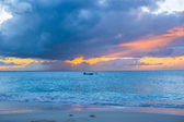 Sailing boat to the sunset in Providenciales on Turks and Caicos — Stock Photo