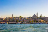 View of the old town and beautiful mosque in Istanbul — Stock Photo