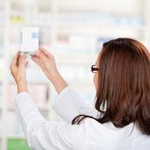 Pharmacist chemist — Stock Photo