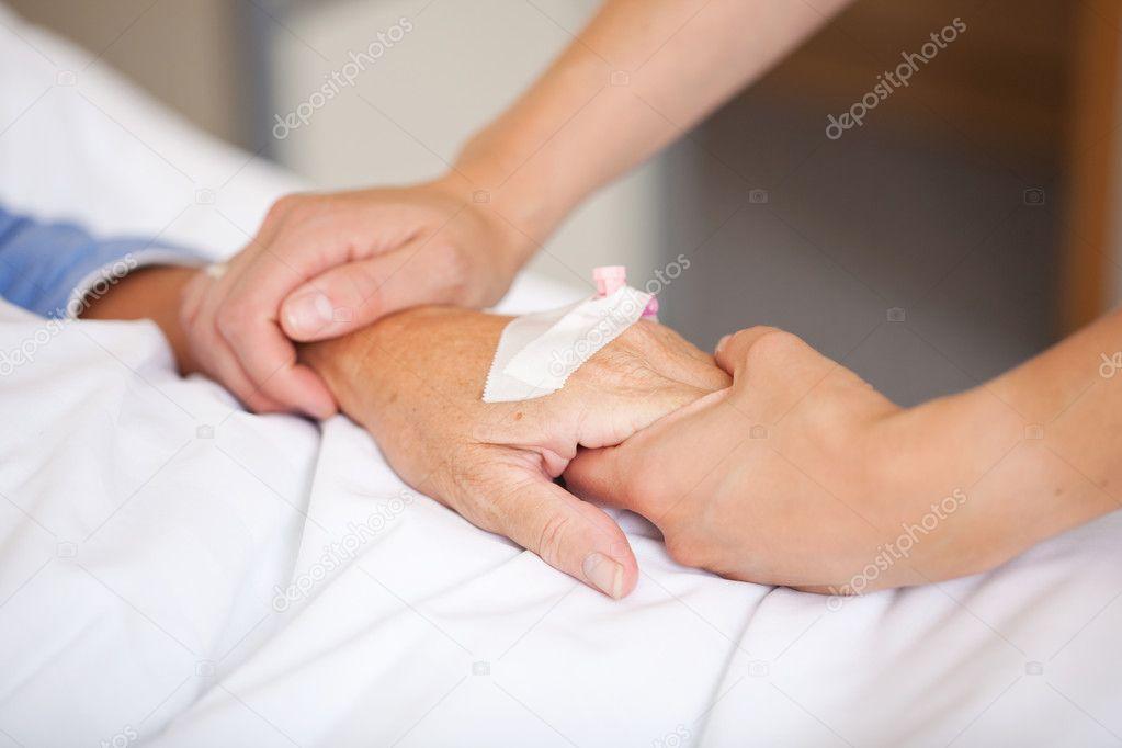 infirmire lave un patient Photo #13142610