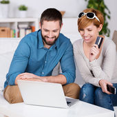 Couple Shopping Online With Credit Card — Stock Photo