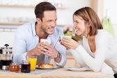 Morning coffee and breakfast — Stock Photo