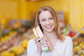 Customer Holding White Asparagus In Grocery Store — Stock Photo