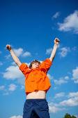 çocuk kutluyor zafer — Stok fotoğraf