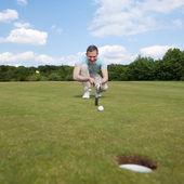 Golfer Golfplatz abzielen — Stockfoto