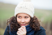 Woman In Winter Clothes Shivering While Looking Away — Stock Photo