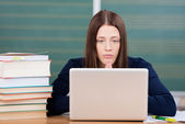 Woman studying — Stock Photo