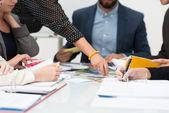 Mensen in een zakelijke bijeenkomst — Stockfoto