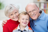 Beautiful family portrait showing the generations — Stock Photo