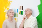 Couple renovating their home — Stock Photo