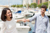 Couple exploring on summer vacation — Stock Photo