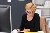 Employee focused on draft of document — Stock Photo
