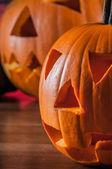 Kolorowy motyw jesień z przerażające dynie halloween — Zdjęcie stockowe