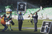Supporters of Real Betis, award 'Player number 12' — Stock Photo