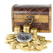 Chest full of gold coins of the old clock — Stockfoto
