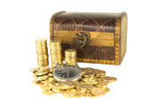 Chest full of gold coins of the old clock — Stock Photo